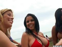 海滩 比基尼 黑人 吹箫 群体性交
