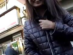 აზიელი საზოგადო მარტო თინეიჯერი