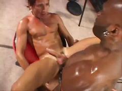 Punggung Orang Negro Porno Hardcore Bertindik