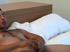 Gay Dos Homes Musculosos Masturbació En Solitari Pallejar