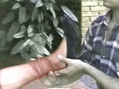 בלונדיניות גמירות אוננות קוקסינלית בחוץ