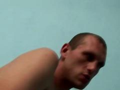 גמירות גמירה על הפנים הומואים