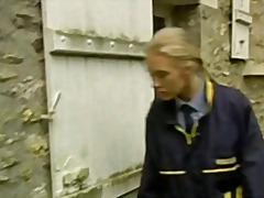 გოგონა სადო-მაზოხიზმი
