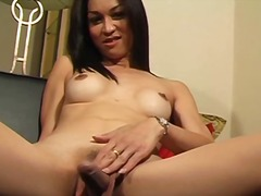 Aasia Tagumik Hardcore Ladyboy Masturbeerimine