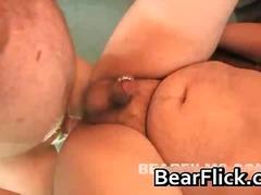 תחת דובים שמנות הומואים ליקוק