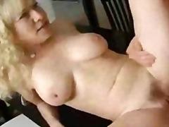 Плавуша Шмукање Момче Секс Со Помлади Свршување