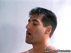 אנאלי תחת קונדום הומואים