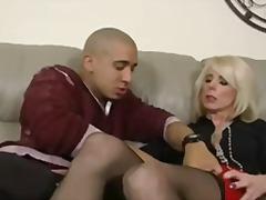 Blonde Naglalakihang suso Matandang sexy Nanay Stocking