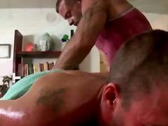 הומואים עיסוי שמן קעקועים