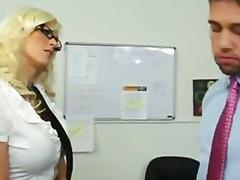 Amerikana Puwetan Blonde Boss Naglalakihang Suso