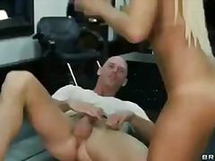 Plavuše Pirsing Pornićarka Tetovaža Tinejdžeri