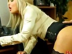 금발미녀 사정 섹시한중년여성 조개 스타킹