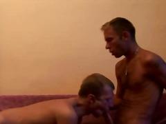 Mamada Profund Gay Dos homes musculosos Oral