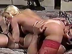 Pozycja 69 Blondynki Robótki Lizanie Atrakcyjne Starsze Kobiety
