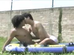 הומואים בחוץ מציצות הומואים צעירים