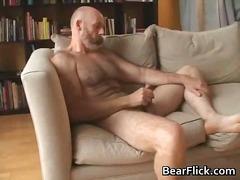 דובים הומואים חתיך אוננות מבוגרות