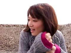אסיאתיות יפניות בחוץ ציבורי פורנו רך