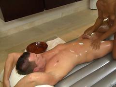 אסיאתיות עבודה ידנית עיסוי אוריאנטל מקלחת