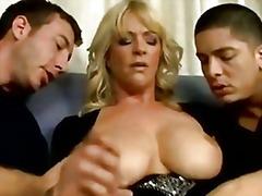 Во Тројка Британски Зрели За Секс Милф Мајка