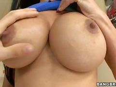 धमाल बड़े स्तन बड़ा लंड