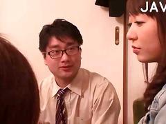 Karvane Jaapani Magamine Kolmekas Sukad