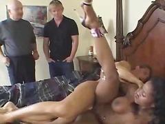 Срциња Црн Секс Со Помлади Неверна Жена Свршување