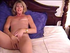 Karvane Masturbeerimine Milf
