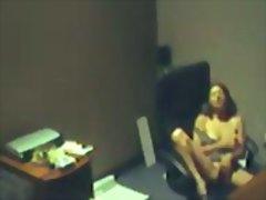 מצלמה נסתרת אוננות במשרד ריגול ווייר