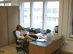 დამალული მასტურბაცია ოფისი შპიონი