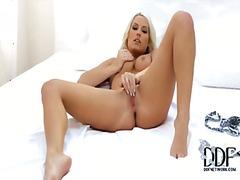 Dievčatá Blondínky Češky Masturbácia Piercing