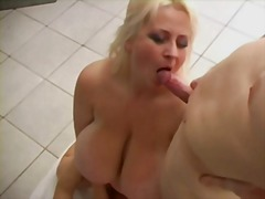 Blonde bbw-mom in a saunaclub-threesome with young guys
