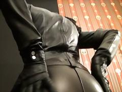שליטה נשית גרמניות חליפות גומי