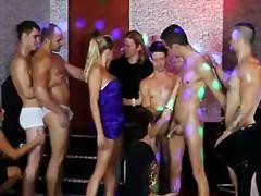 ביסקסואל זיון במעגל חתיך אורגיות מסיבה