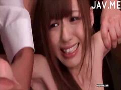 آسيوى القذف جنس جماعى يابانيات فموى