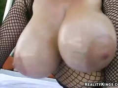 Really hot and nice outdoor scene with a busty lady whose name is samantha 38g