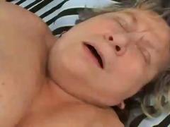 מיטה תחת גדול זין שמנות סבתות