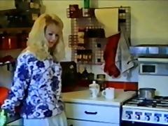 Blondynki Lekka Pornografia Pończochy Podnoszenie Spódniczki Staroświecki