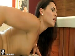 Mature samantha gets her hairy pussy licked tenaciously by young sandra rodriguez