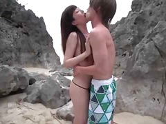 Hot japanese babe gets licked on the beach