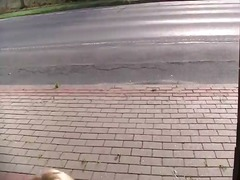 בלונדיניות גמירות בפנים גרמניות ציבורי פוסי