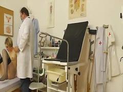 ვიდეო კამერა ექიმი გინეკოლოგი
