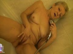 Мастурбација Зрели за секс Избричена Туш