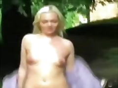 Flashing pussy in public places