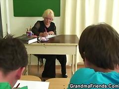 סבתות מבוגרות אמא מציאותי נשואה