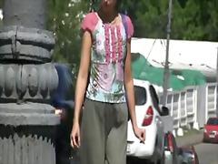 Одетые Обмочившиеся На Публике На Улице