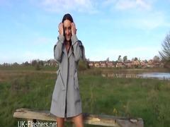 Flashen Nackt Akt Öffentlichkeit Girl