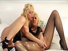 Блондинки Лесбийки Мастурбация Играчка Целувка