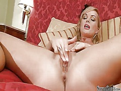 Silvia saint loses control after taking fingers in her beaver