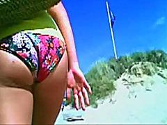 חוף מצלמות קרוב מצלמה נסתרת מתחת לחצאית