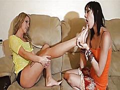 פטיש אצבעות פטיש כפות רגליים לסביות